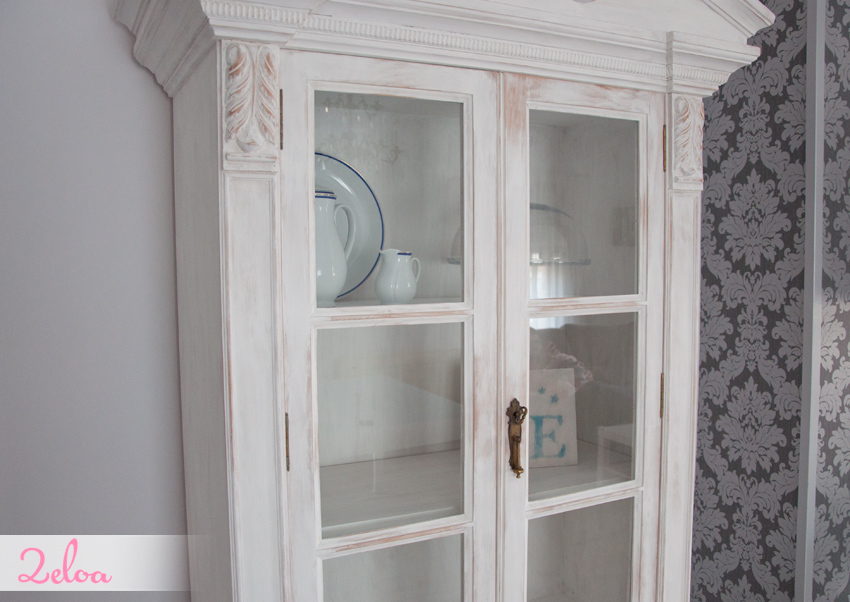 Decorar una vitrina fabulous diy restaurar vitrina with for Como decorar una vitrina